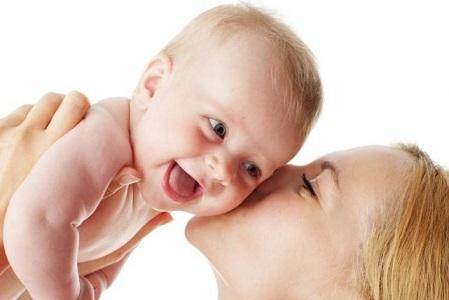 Игры-с-ребенком-в-5-месяцев