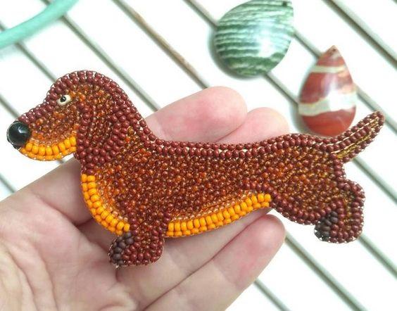 брошка - собака из бисера