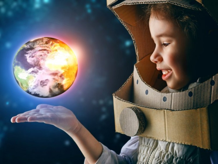 Картинки по запросу ребенок в космосе