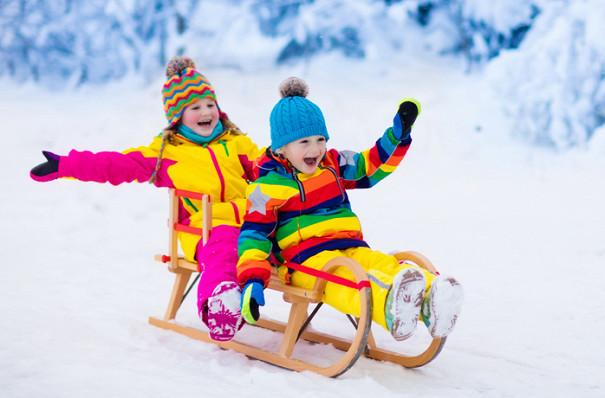 Результат пошуку зображень за запитом зима діти на санчатах