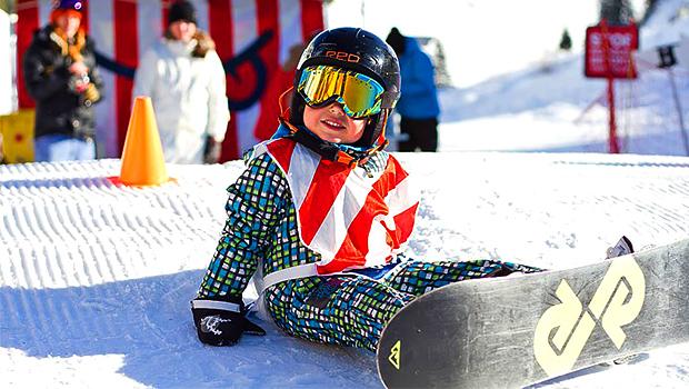 Ребенок на сноуборде