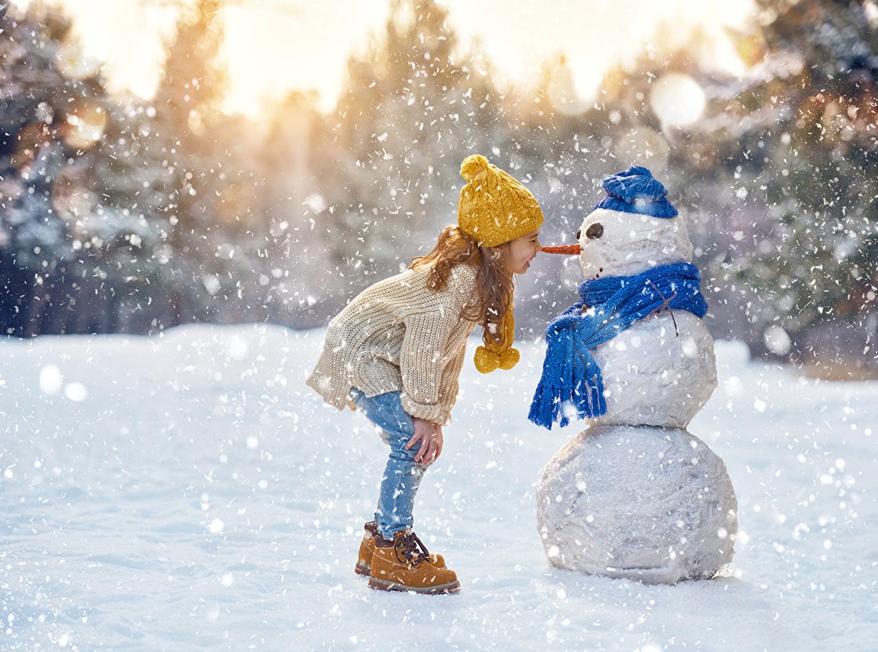 Картинки по запросу ребенок в зимней обуви